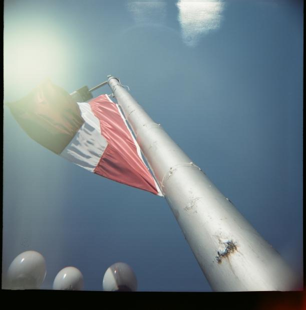 Mareks Ruskuls / lomo / Latvijas karogs
